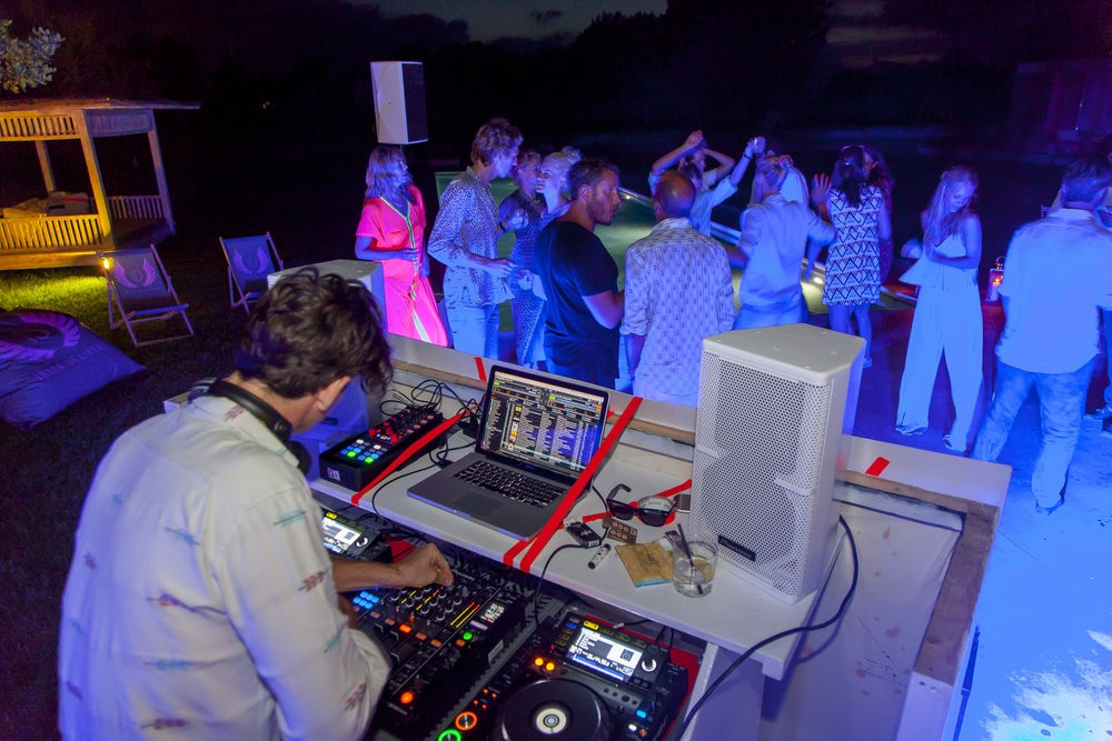 Ibiza Delivers Pop Up Party Service